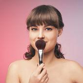 Kosmetika. spasalong. skönhetssalong. tjej med ett leende. — Stockfoto