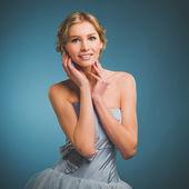 Portrait of beautiful bride. Wedding dress. — Stock Photo