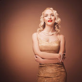 Retro portrait of a beautiful blonde woman. Vintage style. — Stock Photo