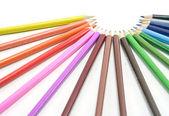 Kleur potloden geïsoleerd op witte achtergrond — Stockfoto