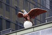 Statue d'aigle — Photo
