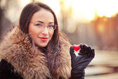 Valentines day girl with gift — Stock Photo