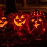 upplysta Halloweenpumpor — Stockfoto #33674265
