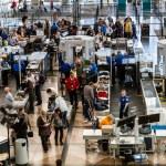 Denver International Airport — Stock Photo #33912043