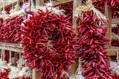 Dried Chili Ristras at Farmers Market — Stock fotografie