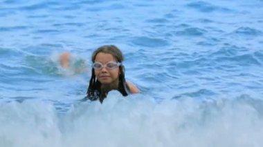 Little Girl Swimming — Stock Video