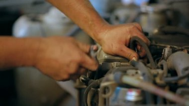 Automobile service. Wrench. — Stock Video