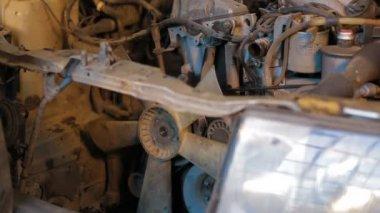 Car repairing. Auto Repair Shop. Disassembling — Stock Video