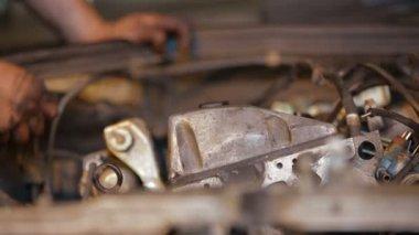 Auto Repair Shop. Car disassembling. — Stock Video