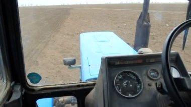 Farmer driving tractor — Stock Video