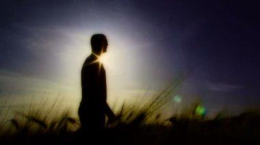 Silhouette — Vidéo