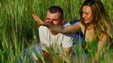 Love on field — Stok video