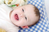 Six-months baby cries — 图库照片