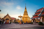 Wat phra that hariphunchai was a measure of the Lamphun,Thailand — Stockfoto