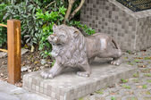 Statue of a lion roaring — Stock Photo