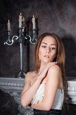 明るい化粧品で美しいブロンドの女の子の肖像画 — ストック写真