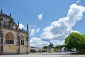 Courtyard of the medieval monastery Santa Maria da Vitória na B — Stock Photo
