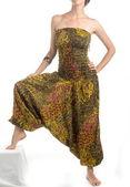 Flerfärgade haremsbyxor med indiska mönster — Stockfoto