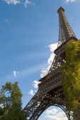Eiffel tower at sunny day — Stock Photo