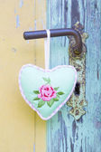 Rose heart on old door — Foto de Stock