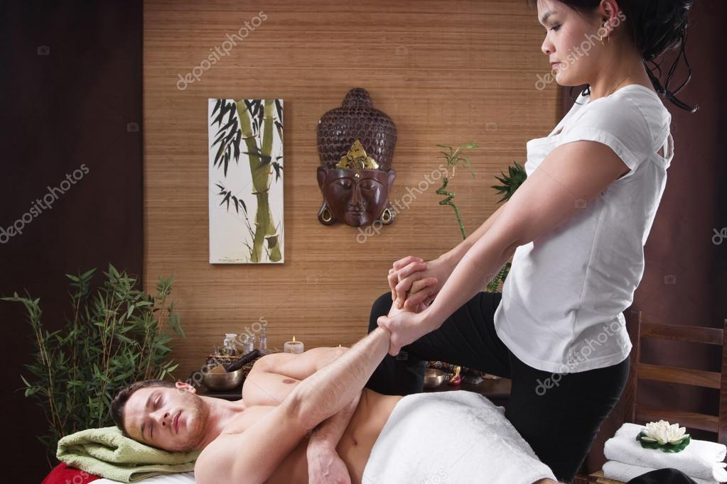 массажист азиат-ар1