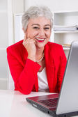 Older office worker — Stock Photo