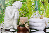 Towels and a candle — Stock Photo