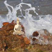 Buddha at sea — 图库照片
