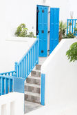 Architecture on the Cyclades. Greek Island buildings with her ty — Fotografia Stock