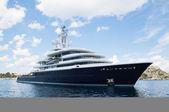 Gigantic big and large luxury mega yacht with helicopter landing — Stock Photo