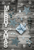 Merry Xmas: Christmas decoration in shabby chic style in light b — Zdjęcie stockowe