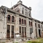 Abandoned building — Stock Photo #33976759