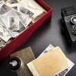 Box with photos — Stockfoto