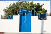 Porta tradicional em uma ilha grega — Fotografia Stock