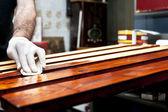 Varnishing wooden boards — Foto de Stock