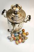 Easter eggs and samovar — Stock Photo