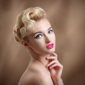 Beauty Portrait with make-up and hairstyle. Beautiful Woman Touc — Photo