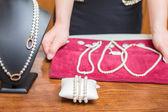 Bracciali e collane di perle — Foto Stock
