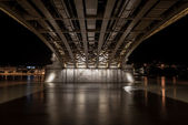 Under the margit bridge in budapest, hungary — Stock Photo