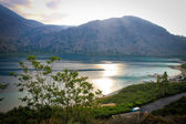 Panoramatický pohled na cournas jezero, Kréta, Řecko — Stock fotografie