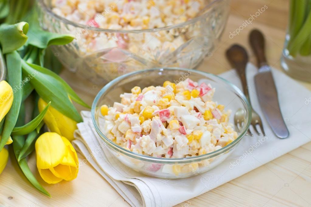 Крабовый салат с кукурузой без риса