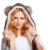 Woman in winter hat — Stock Photo