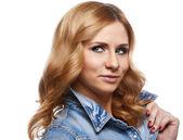 Genç ve güzel kadın portresi — Stok fotoğraf