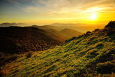 Wonderful sunset over the mountains — Stock Photo