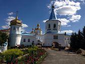 Schöne alte Kloster in der ukraine — Stockfoto