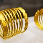 Dacian gold bracelets — Stock Photo