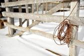 Staccionata di legno vecchia fattoria — Foto Stock