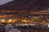 Night shot of Cape Town towards Table Mountain — Stock Photo