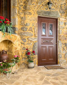 Charming entrance of courtyard of old mediterranean village Spil — Stock Photo