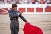 David Gil stabbing a bull — Stockfoto